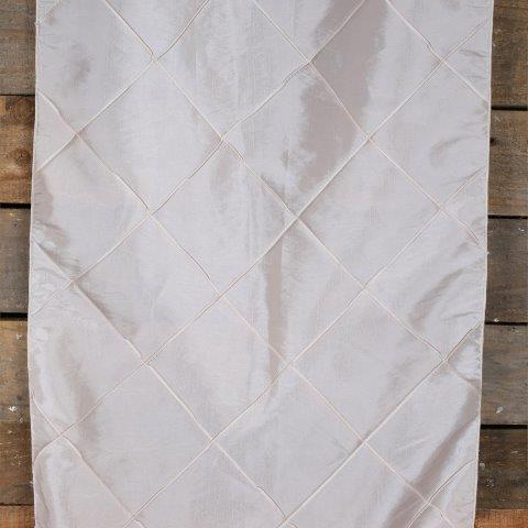Linen Runner Peach Diamond