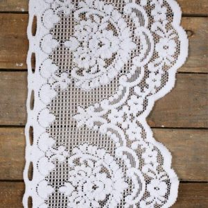 Linen Runner White Lace with Hoops mx
