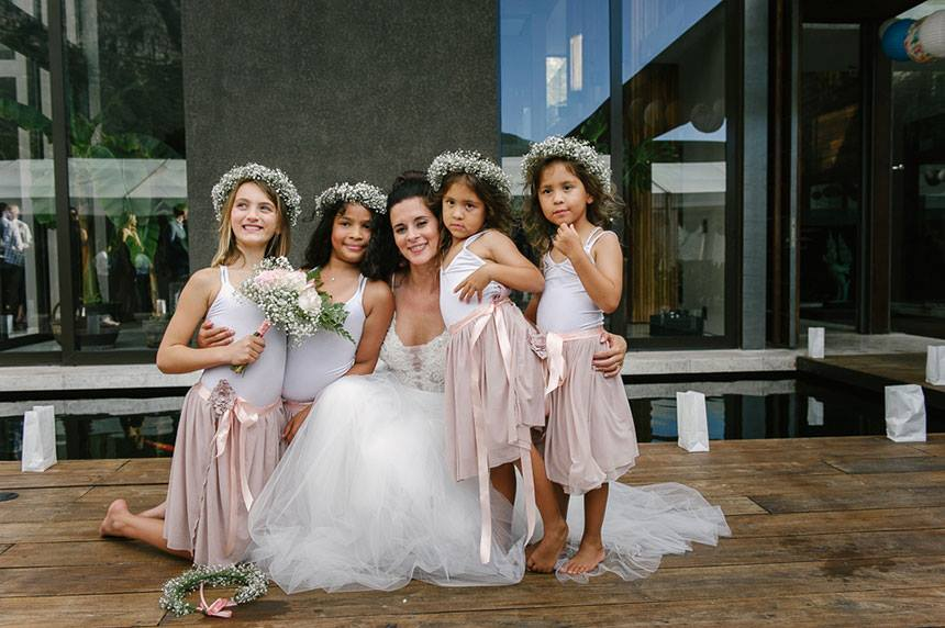 My Pretty Vintage Bide And Her Adorable Flower Girls