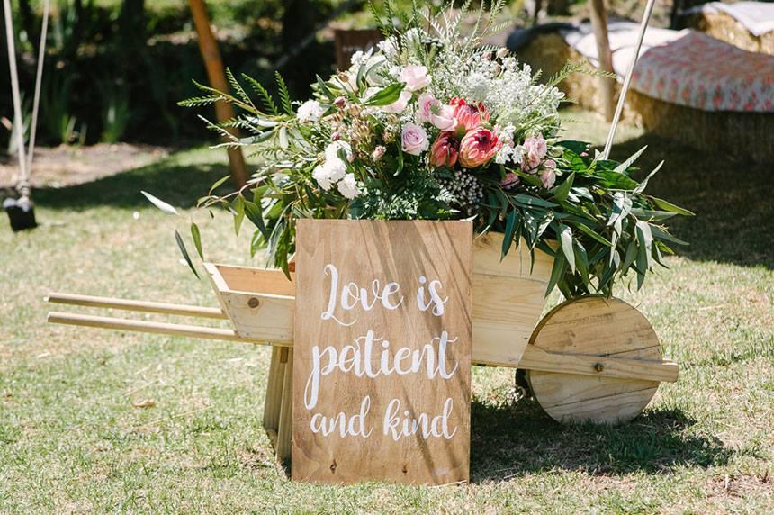 My Pretty Vintage Wedding Wheelbarrow