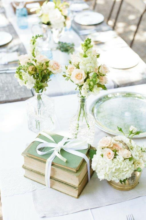 Vintaged Table Display At Reception