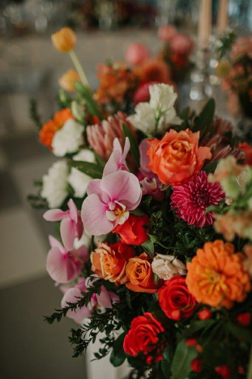 Beautiful Wedding flowers to show off your style and put a distinctive touch on your wedding ceremony and reception décor.