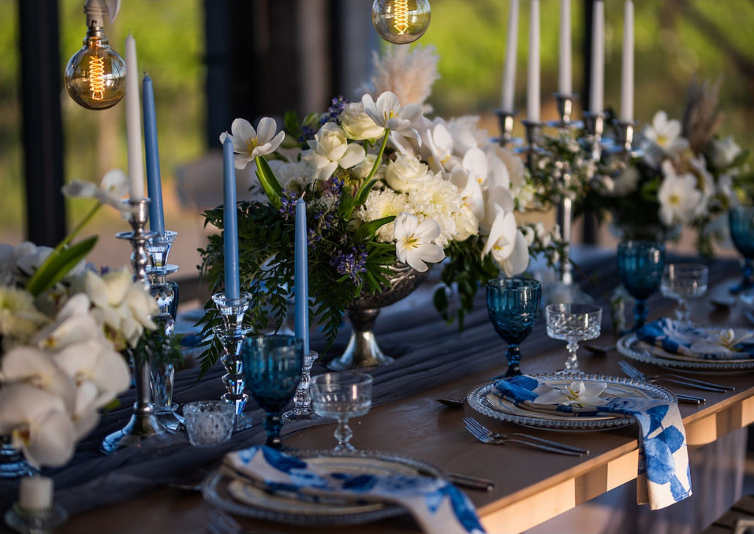 Bruidsgids Wedding Guide My Pretty Vintage Candleholders Table Setting Wedding Decor Events Photography by Gustav Klotz