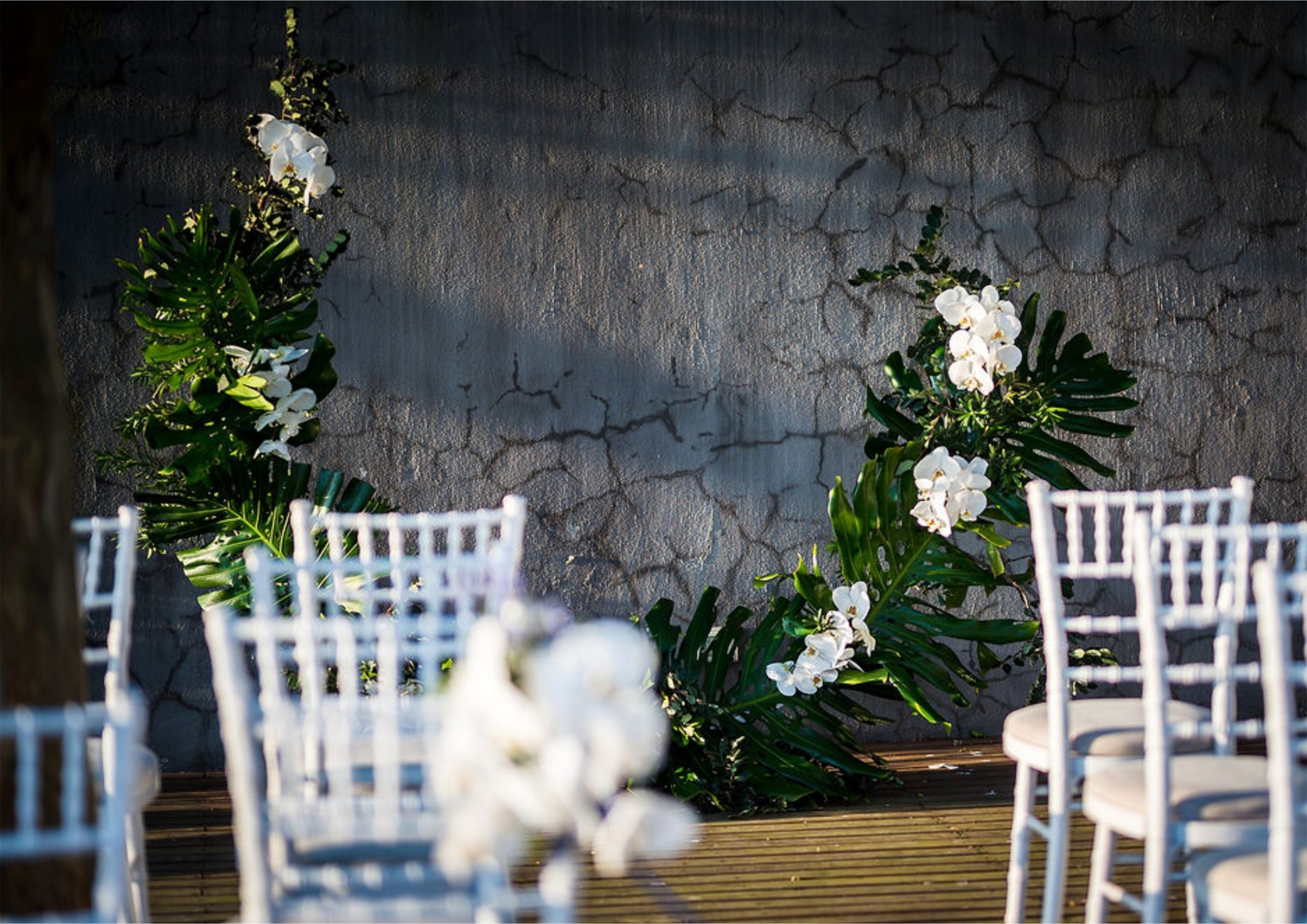 Bruidsgids Wedding Guide My Pretty Vintage Outdoor Romatic Vineyard Setting Pampas Grass Orchids Wedding Flowers Decor Events Photgraphy by Gustav Klotz