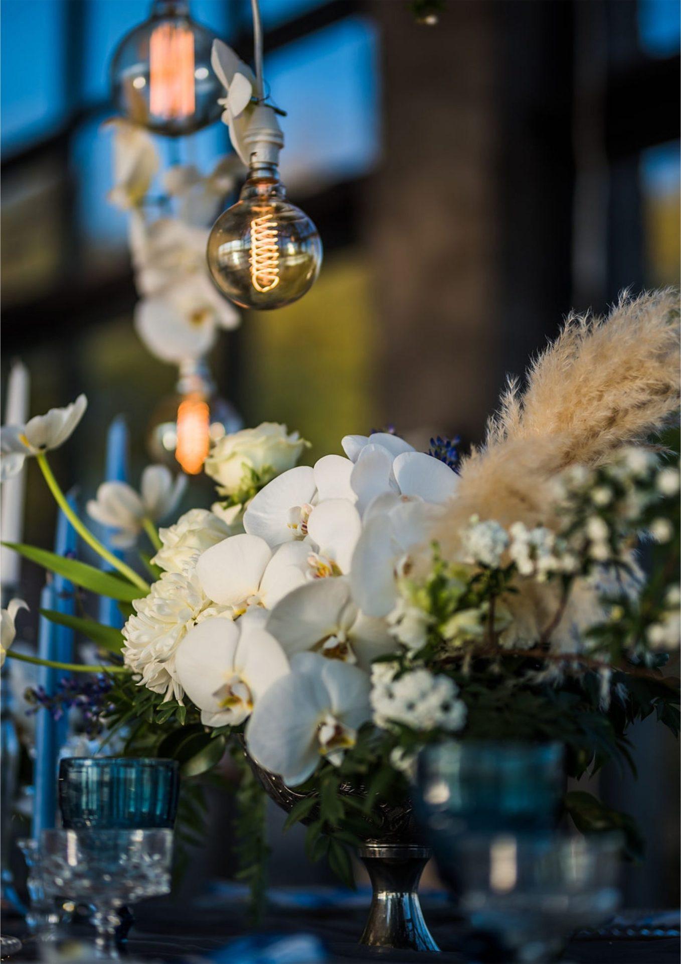 Bruidsgids Wedding Guide My Pretty Vintage Romantic Wedding Table Events Wedding Decor Photography by Gustav Klotz