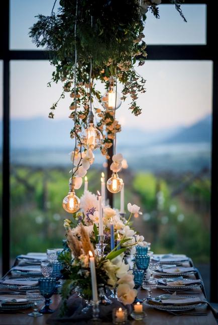 Bruidsgids Wedding Guide My Pretty Vintage Romantic Wedding Table Lighting Wedding Decor Photography by Gustav Klotz